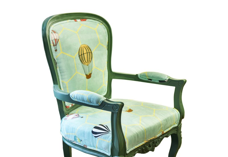 Hot air balloon entrance armchair kohr treniq 2