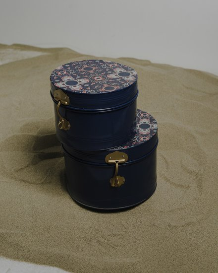 The tantraa set of 2 cylinderical trunks with vintage handles living with elan treniq 1 1527227495748