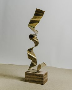 The-Jaiv-Brass-Sculpture_Living-With-Elan_Treniq_0