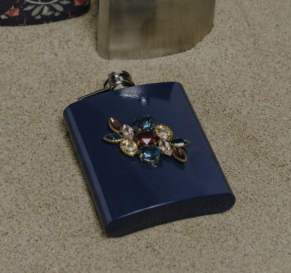 The diwaani hip flask living with elan treniq 1 1527309416771
