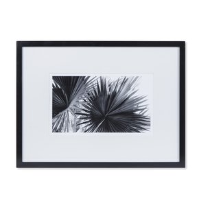 Black-&-White-Palm-Leaves-B-_Sonder-Living_Treniq_0