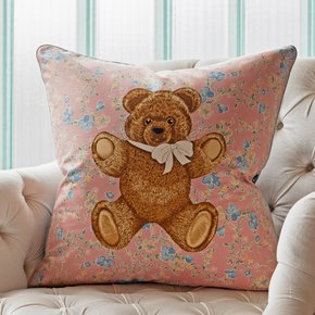 Moon-Palace-Bear_Vintage-Cushions_Treniq_0