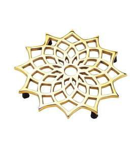 Noor Trivet in Brass