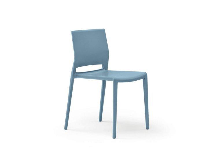 Giant office chair by nidibatis fci london treniq 1 1529314084239