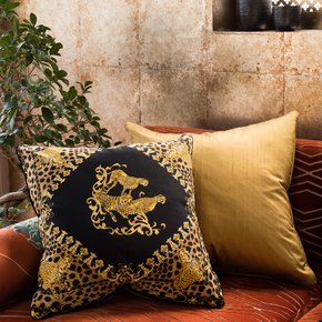 Golden-Panther_Vintage-Cushions_Treniq_0