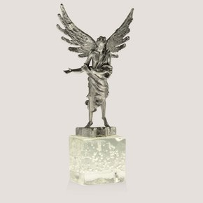 Scultpure-Depicting-An-Angel-_Progetto-Arte-Poli_Treniq_0