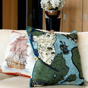 Tartaria_Vintage-Cushions_Treniq_0